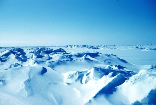 Beaufort Sea pressure ridges_Spring 1949 wikipedia sm
