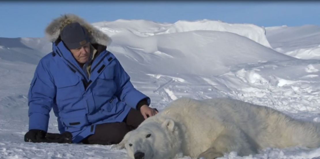 Frozen Planet 10_56 Attenborough PB